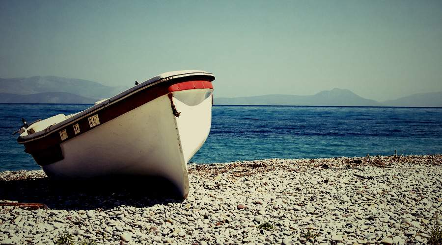 picture of boat on shore